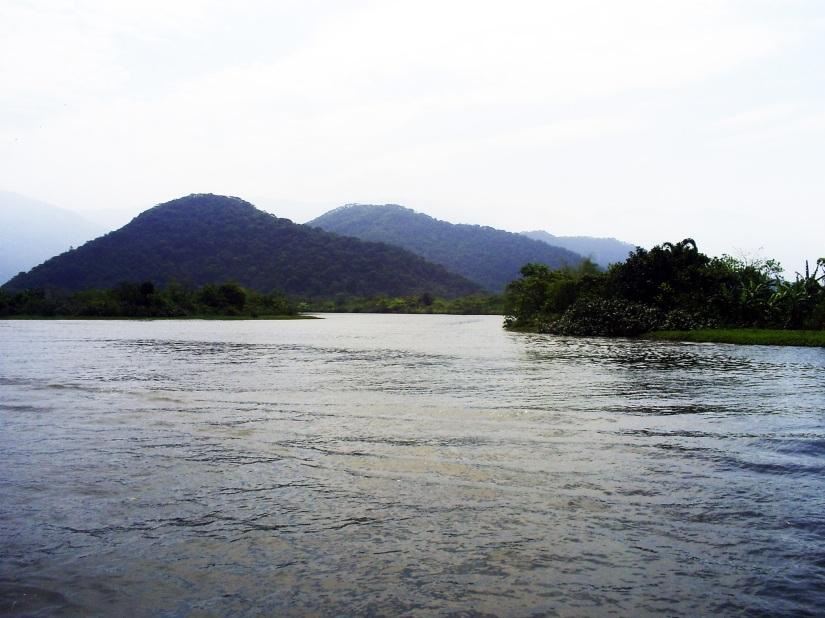 Rio Cascalho, no trecho próximo ao Porto da Usiminas. Foto: Allan Nóbrega