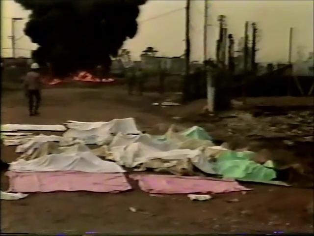 Alguns dos 93 corpos oficialmente encontrados após a tragédia. Outras centenas desapareceram sob as cinzas (imagem: Reprodução/TV Globo)